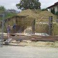 Medence építés elején