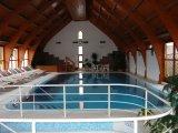 Ágnes Hotel, feszített víztükrű úszómedence.