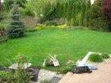 Süllyesztett víztükrű fólia burkolatú kerti medence építés